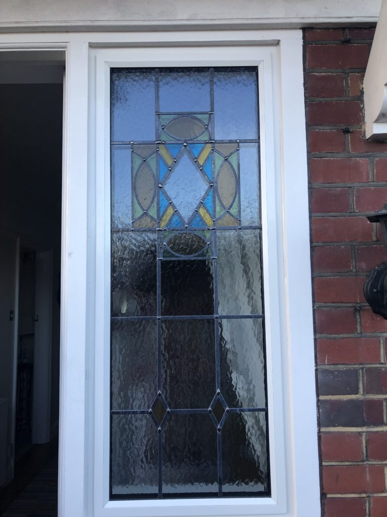 met therm Decorative leads matching a stained-glass design